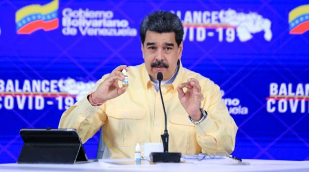 Facebook anunció este 27 de marzo del 2021 que bloqueó la cuenta de Nicolás Maduro por 30 días debido a la publicación de desinformación sobre el covid-19. Foto: REUTERS/ Palacio de Miraflores.