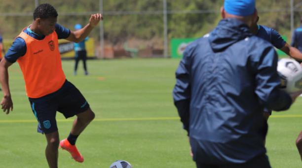 Los jugadores de Ecuador se alistan para jugar ante Bolivia en un cotejo amistoso el 29 de marzo del 2021. Foto: @LaTri