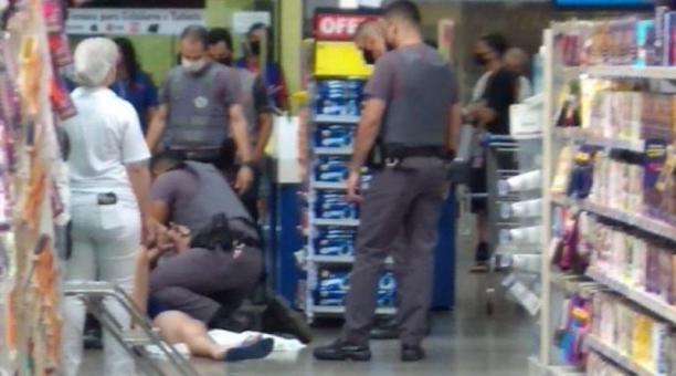 Según las autoridades, el hombre huyó de la habitación donde se encontraba, en la unidad respiratoria del centro, por temor a ser intubado.