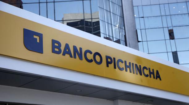 Banco Pichincha pagó impuestos, aportes y contribuciones para el Estado por USD 97 millones en el 2020 y generó ganancias por USD 50 millones. Foto: Archivo/ EL COMERCIO.