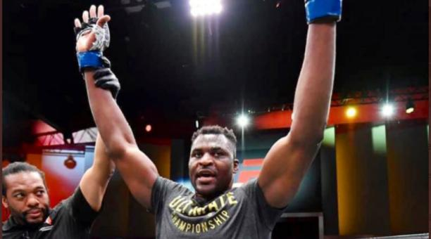 El africano Francis Ngannou se coronó campeón del mundo de la UFC en los pesos pesados, el 27 de marzo del 2021. Foto: @francis_ngannou