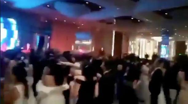 Una fiesta de graduación se celebró la noche del sábado 27 de marzo del 2021 en un hotel de Guayaquil. Foto: captura.