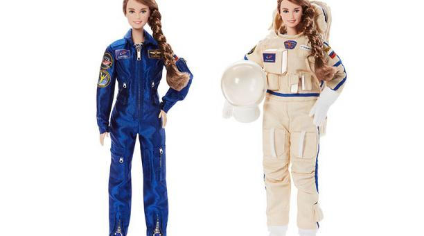 Esta edición fue modelada en honor a la cosmonauta rusa Anna Kikina. Cuenta con un traje de entrenamiento y otro espacial. Foto: Roscosmos