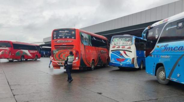 La ANT emitió una resolución para la circulación vehicular de buses, durante el feriado de Semana Santa. Foto: Twitter CTE