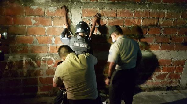 Imagen referencial. Agentes especiales de la Policía realizó el operativo en Guayaquil. Foto: Twitter Policía Nacional