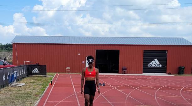 Ángela Tenorio durante uno de sus entrenamientos, en Estados Unidos. Foto: Cortesía
