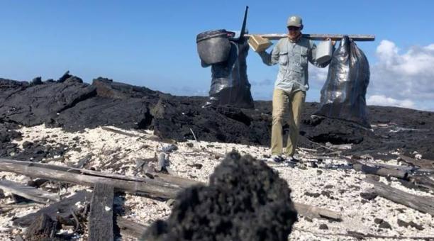 Fotografía cedida por el Parque Nacional Galápagos de la última campaña de recogida de basuras marinas en varias de las islas del Archipiélago Galápagos (Ecuador). Foto: Agencia EFE
