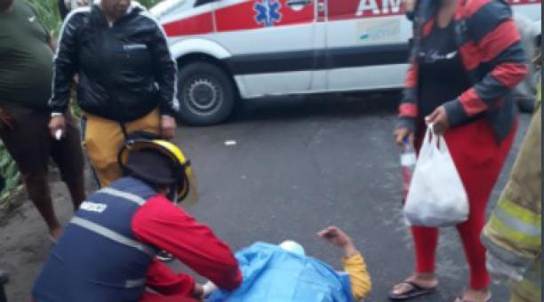 16 personas resultaron heridas en un accidente de un bus interprovincial en San Mateo, cantón Esmeraldas, el 1 de abril del 2021. Foto: ECU 911