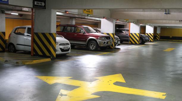 El Cadisan y los otros seis parqueaderos del Centro Histórico de Quito funcionarán entre las 07:00 y las 20:00 de lunes a domingo. Foto: Archivo/ EL COMERCIO.