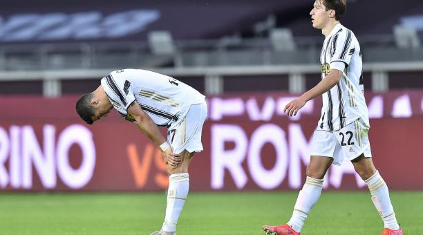 Cristiano Ronaldo lamente el empate de la Juventus ante el Torino. Foto: EFE