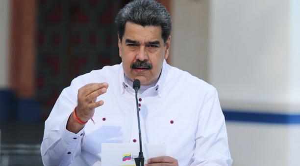 El presidente Nicolás Maduro emitiendo un mensaje a la nación, en Caracas, Venezuela, 4 de abril de 2021. Foto: EFE