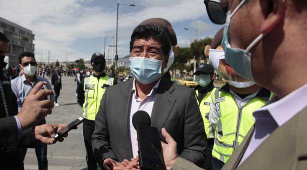 La mañana de este 5 de abril del 2021, el alcalde Jorge Yunda asistió a un control de agentes de la AMT. Foto: Galo Paguay / EL COMERCIO