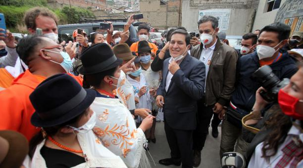 La dirigencia de la Feine entregó este 5 de abril del 2021 a Andrés Arauz una propuesta que plantea el combate a la corrupción y la reactivación económica. Foto: Julio Estrella / EL COMERCIO