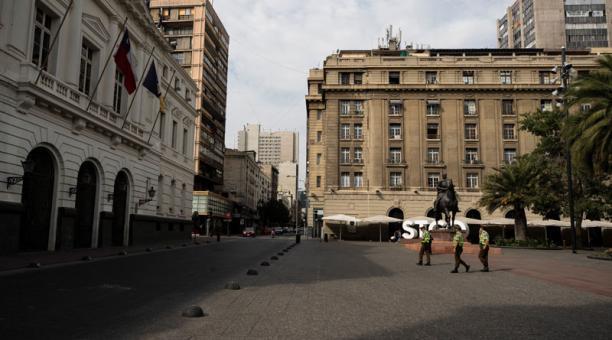 La virulencia de la pandemia, en la que están jugando un papel fundamental las nuevas cepas brasileña y británica, llevó al Gobierno chileno a anunciar el cierre de fronteras durante un mes. Foto: EFE