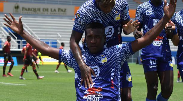 Jhon Jairo Cifuente anotó un gol en el partido del Delfín, por la sexta fecha del campeonato nacional. Tomado de la LigaPro.@LigaProEC