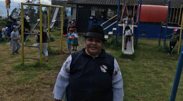 Victoria Carlosama llegó a la escuela de la comunidad Naranjito, para una ceremonia ancestral. Foto: José Luis Rosales / El Comercio