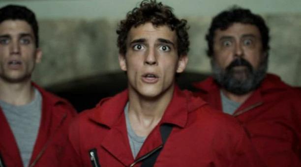 El actor Miguel Herrán, centro, interpreta a Río, en la serie 'La casa de papel. Foto: Instagram