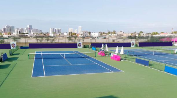 Los dos torneos se disputarán sobre canchas de cemento en el Salinas Golf & Tenis Club. Foto: cortesía