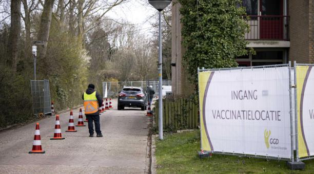 El detenido planeaba un ataque terrorista en un centro en donde se aplican vacunas contra el covid-19, en Holanda. Foto: EFE