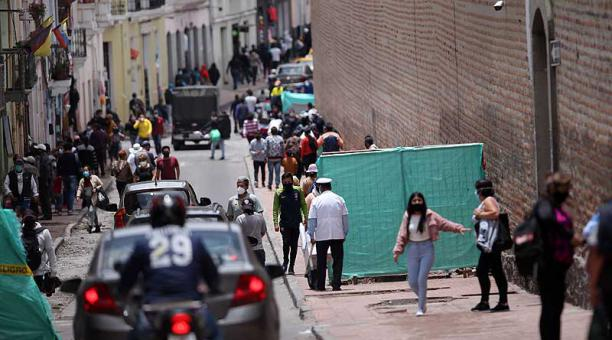 Los gobiernos autónomos descentralizados del Ecuador deberán nuevamente implementar políticas y medidas necesarias para contener los contagios de covid-19. Foto: Julio Estrella / EL COMERCIO