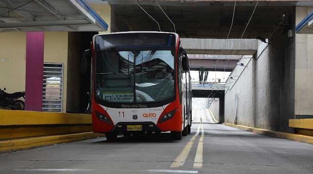 En el transporte municipal los pasajeros deben cumplir las normas de bioseguridad establecidas. Foto: cortesía Municipio de Quito