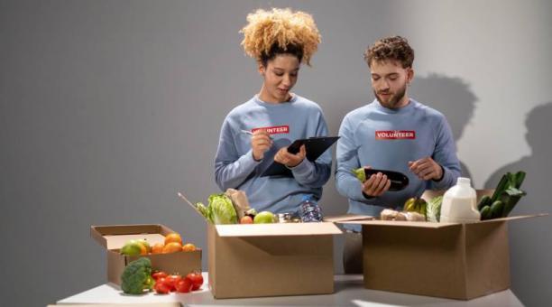 Antes de guardar los productos, es importante identificar la fecha de caducidad para priorizar la ingesta de determinados alimentos. Foto; pixabay