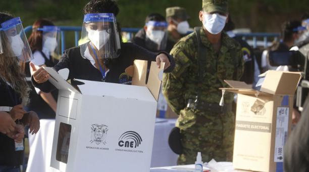 Para los adultos mayores el voto es facultativo (no obligatorio), Foto: Diego Pallero / EL COMERCIO