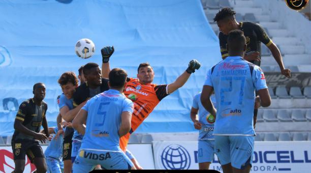 Macará consiguió una victoria de local ante 9 de Octubre, por la séptima fecha del torneo ecuatoriano. Foto: Twitter @9deOctubrefc