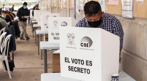 Murcia es una de las ciudades europeas con mayor población migrante procedente de Ecuador y registró, en febrero pasado, una participación electoral en la primera vuelta del 40%, con 9 000 sufragios. Foto: EFE