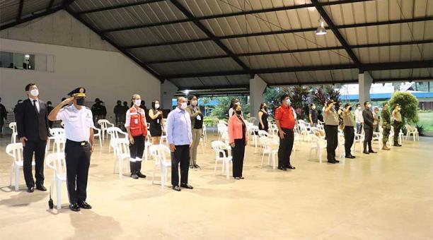 En La Concordia, donde se realizó la inauguración de la jornada electoral, se emitieron recomendaciones para que los votantes de eviten concentrarse en las unidades educativas. Foto: EL COMERCIO