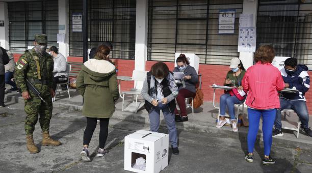 La jornada electoral terminará a las 17:00 de este domingo 11 de abril del 2021. Foto: Diego Pallero / El Comercio
