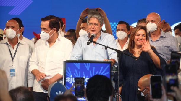 Guillermo Lasso el domingo 11 de abril del 2021 tras conocer que ganaba las elecciones presidenciales. Foto: Enrique Pesantes / El Comercio