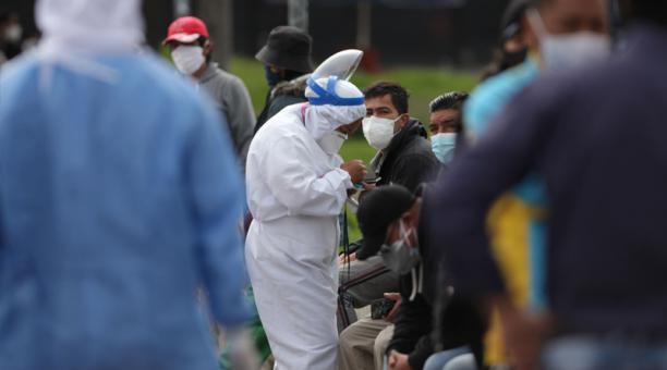 Quito es la ciudad donde más contagios se registran. Son 111 283 casos, 109 más que el domingo. Foto: Julio Estella / EL COMERCIO