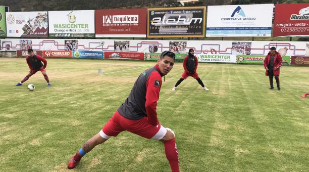 Jugadores de Mushuc Runa, durante un entrenamiento en su estadio. Foto: Mushuc Runa