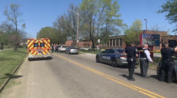 La policía de Knoxville ha informado de manera preliminar que hay