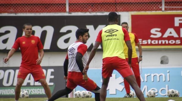 Un entrenamiento de Aucas, previo al partido ante Barcelona por la octava fecha del campeonato nacional. Tomado de Aucas