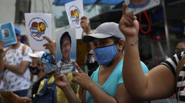 Un grupo de mujeres protestan para exigir justicia por la desaparición de sus familiares en Ciudad de México (México). Foto: EFE