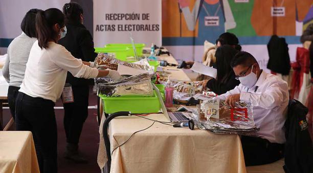 El Movimiento al Socialismo (MAS) perdió la segunda vuelta para la elección de sus gobernadores en las regiones de La Paz, Chuquisaaca, Potosí y Pando. Foto: EFE