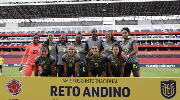 Las jugadoras de la Selección de Ecuador disputaron dos amistosos internacionales ante Colombia, en el denominado Reto Andino. Foto: FEF