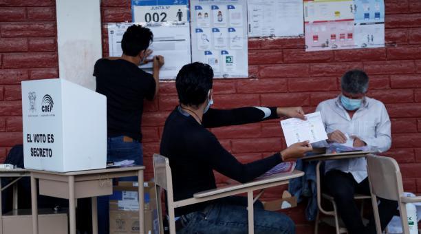 La segunda vuelta electoral se llevó a cabo el domingo, 11 de abril del 2021, en Ecuador. Foto: Diego Pallero / EL COMERCIO