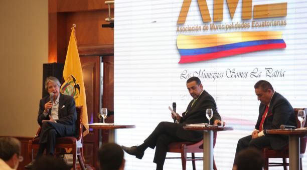 La Asamblea de la Asociación de Municipalidades de Ecuador (AME) recibió al entonces candidato a la presidencia Guillermo Lasso para hablar sobre los gobierno descentralizados el pasado 10 de 3 de marzo del 2021. Foto: Archivo/ EL COMERCIO.