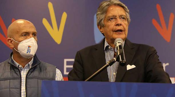 Guillermo Lasso habló sobre la independencia de poderes y la gobernabilidad en una entrevista la noche de este 13 de abril del 2021. Foto: EFE