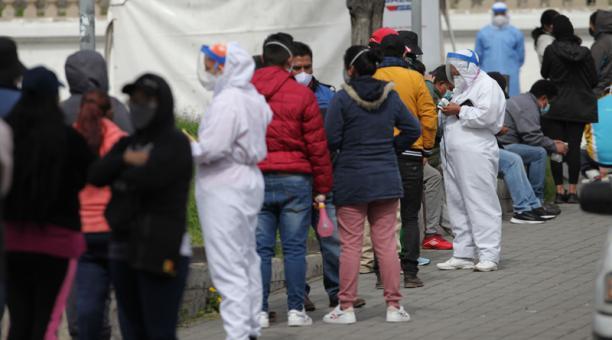 En cuanto a cantones, Quito es la ciudad más golpeada por la pandemia con 112 733 casos.