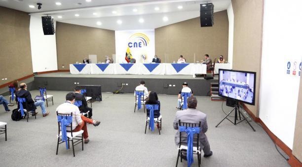 El consejero Luis Verdesoto mencionó que se debe evaluar el mensaje contenido en las distintas fracciones de votación. Foto: Twitter @cnegobec