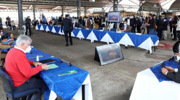 La última sesión del Concejo Metropolitano fue con público presente, en el Mercado de Chiriyacu, el martes pasado. Cortesía: Municipio de Quito