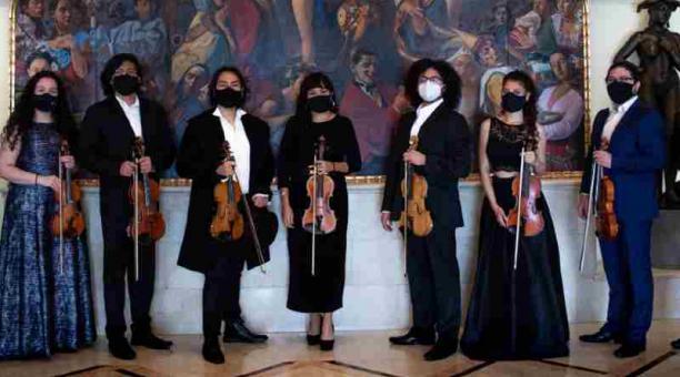 Los músicos de la Orquesta Ciudad de Quito ofrecerán un concierto en homenaje al compositor Johann Sebastian Bach. La gala se realizará en la Casa de la Música. Foto: Facebook de la orquesta ciudad de quito