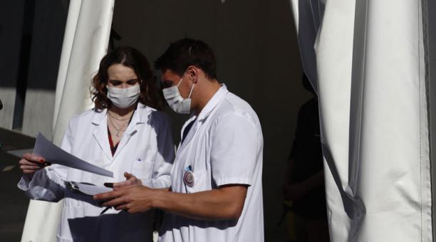 La OMS alertó sobre la tasa de transmisión del coronavirus en países de Europa, pese a la reducción de los contagios. Foto: EFE
