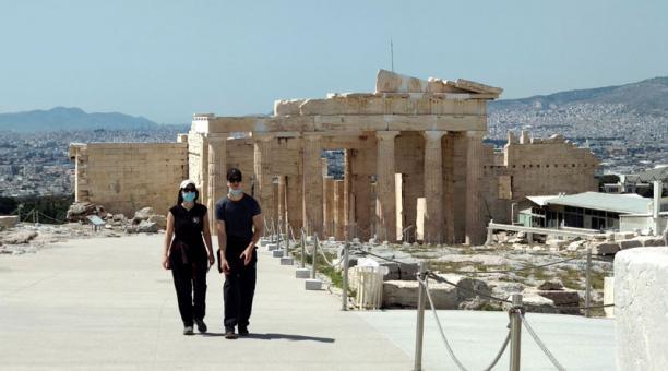 Grecia eliminará la cuarentena obligatoria para los pasajeros que lleguen al país, con el objetivo de reactivar el turismo. Foto: EFE