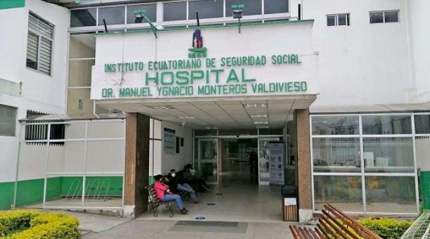 El hospital Manuel Ignacio Montero de Loja está colapsado de pacientes covid-19 y con un promedio de ocho en lista de espera por una cama UCI. Foto: Cortesía Lindon Sanmartín