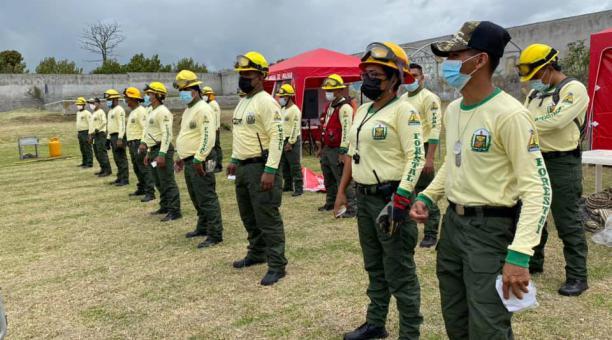 En Cotacachi, Imbabura, se instaló el centro de operaciones para la certificación de bomberos forestales. Fotos: Municipio de Cotacachi